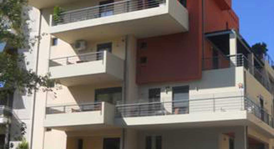 Five-Storey Building on Pilotis-Space in Chalkis